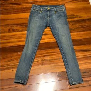 Michael Kors Izzy skinny jeans light wash. Petite